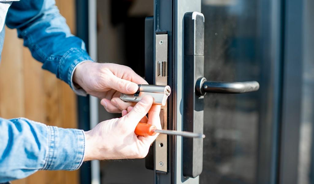 locksmith commercial keybossD